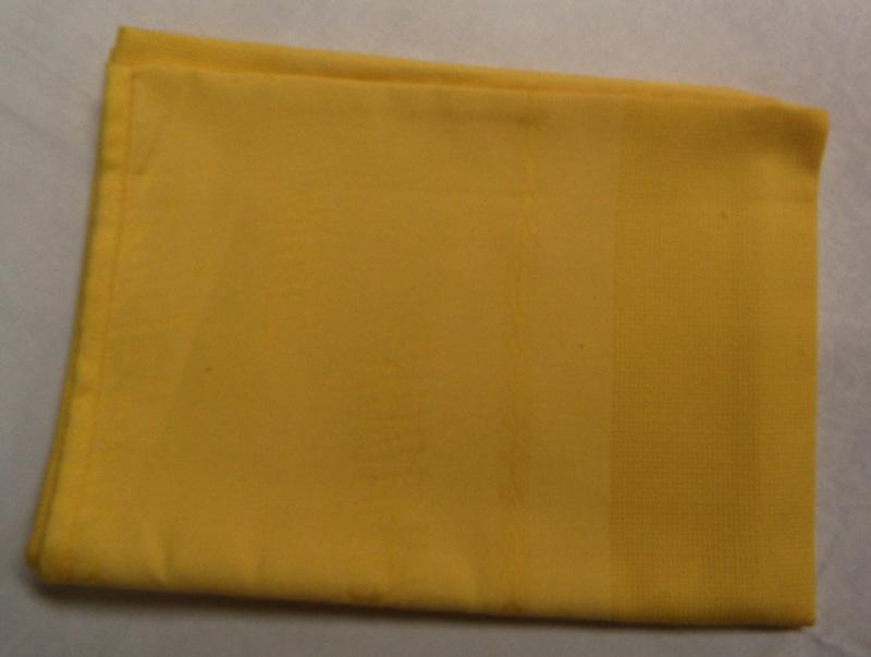 Chemin de table jaune point de croix n97 autres rico for Chemin de table jaune