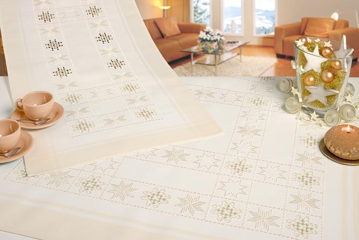 Nappe carr de table crme hardanger des fiches 42 43 - Nappe de table carre ...